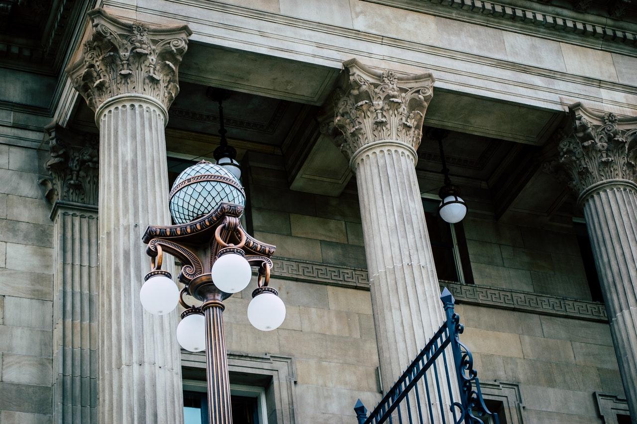 Comment choisir le meilleur avocat en droit du travail ?